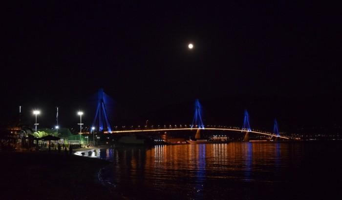 Γέφυρα με Πανσέληνο…~Μαγικός συνδυασμός.