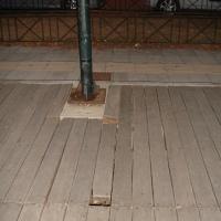 Σοβαρά προβλήματα στον ξύλινο πεζοδιάδρομο του Γριμπόβου.  Δηλώσεις απ' τον αρμόδιο που μείνανε δηλώσεις ....